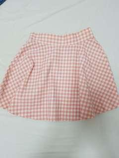 🚚 cute checkered baby pink skirt