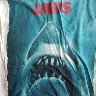 Jaws tee pull n bear