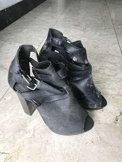 sepatu bekas 38