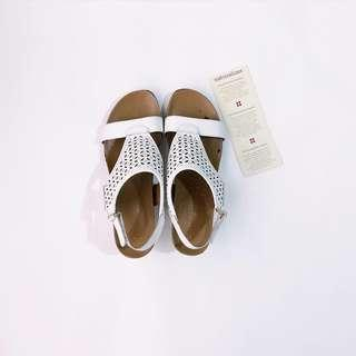 ♥ Naturalizer Sabelle White Wedge Shoes