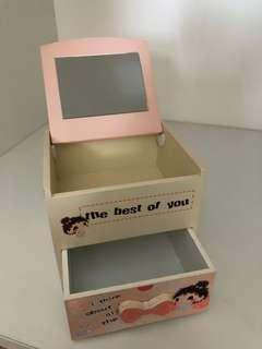 Mini make up box
