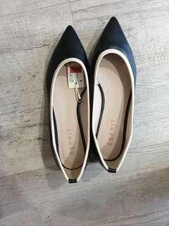 BN w tag Esprit shoes (black)