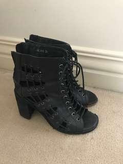 Mollini jayman black leather heels