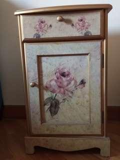 歐款金邊玫瑰花卉復古實木床頭櫃
