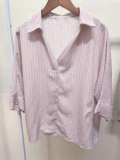 🚚 雪紡粉色直條上衣