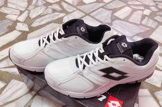 🚚 LOTTO男性休閒鞋👟 28cm (全新
