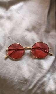 Red round sunnies