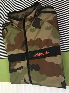 Adidas Camou windbreaker with hood small size..(limited)