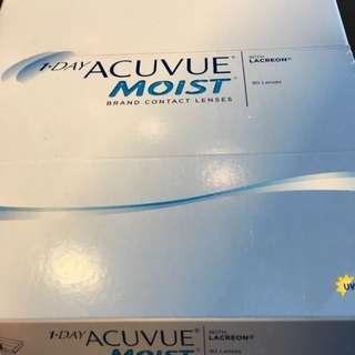 1-Day Acuvue Moist Contact Lenses