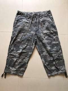 UNIQLO 迷彩短褲