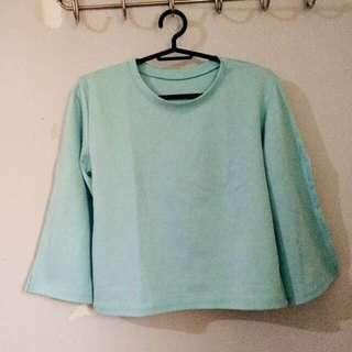 jukaykay mint top with slit on sleeves