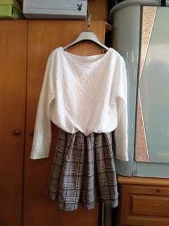 白色長袖格仔連身裙