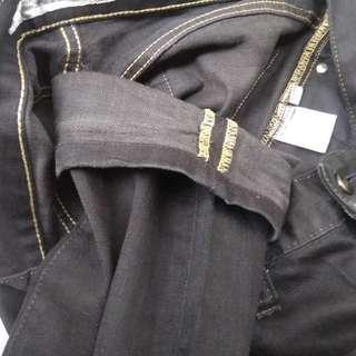 Celana uniqlo jeans