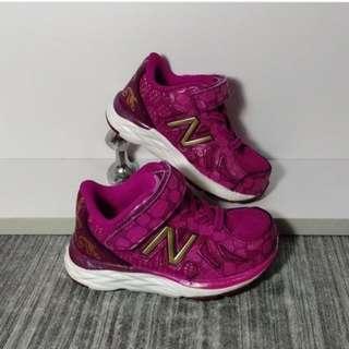 Sepatu Anak New Balance Disney Beauty & The Beast KV790B2I