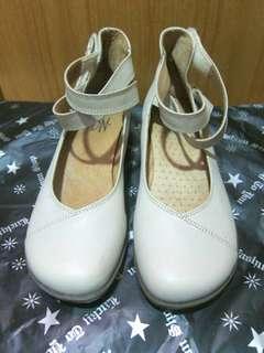 🚚 (二手)真皮瑪麗珍 綁帶娃娃鞋