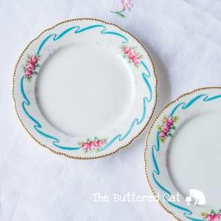 Exquisite antique Late Foley / Shelley 15cm diameter plate, hand-decorated blue ribbon and pink roses