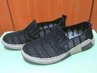 🚚 (二手)鏤空 針織 休閒鞋