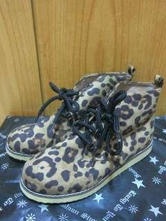 🚚 (新品)豹紋 短靴 休閒鞋