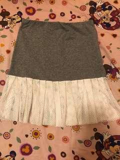 灰白色短裙