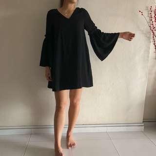BN Supergurl Brianna Bell-Sleeve Dress in BLACK (S, UK 6)