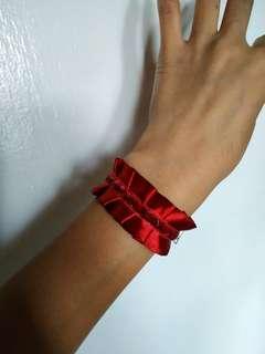 Lolita cuff