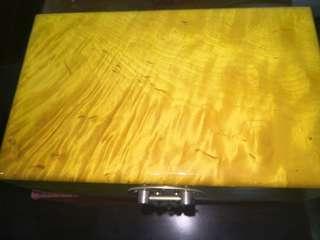 少見金絲楠木小方盒一件