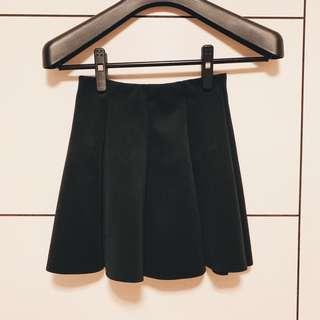 ZARA x 黑色裙子