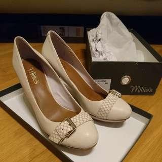Millie's high heels米色高跟鞋