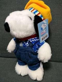 Snoopy doll 20cm tall 史路比毛公仔