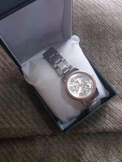 Jam Tangan Wanita Silver