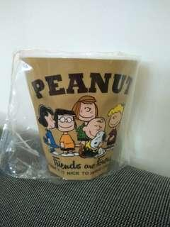 Snoopy plastic cup 史路比膠杯