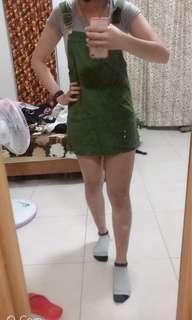 🚚 綠色吊帶裙