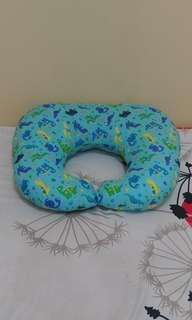 Bantal menyusui / nursing pillow