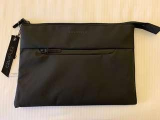 "Crumpler Level Up 15"" Laptop Sleeve"