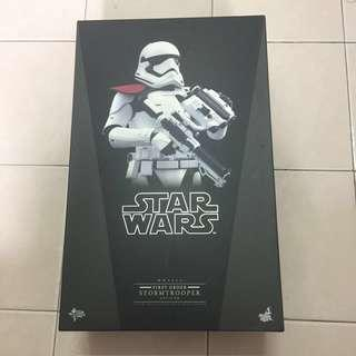 Hot Toys 1/6 Star Wars fo stormtrooper officer