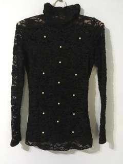 高領蕾絲透膚小珍珠黑色長袖上衣