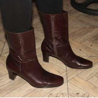ETIENNE AIGNER Womens Boots Maroon Leather Size 5 Side Zip Mid Calf