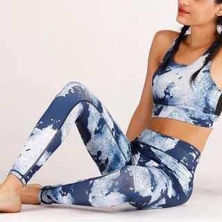 Blue printed two piece gym set