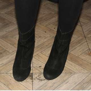 BCBGeneration Womens Boots Black Suede Size 5 Mid Calf