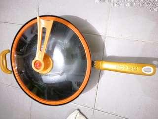 Vacuum Gold Cookware Set All Stove Induction Ok Gas Generic Non-Stick Frying Wok 32cm Included New Fry Spoon. Wok used few times but size is too big not suitable for me small cook https://www.chinahao.com/product/44380810952/