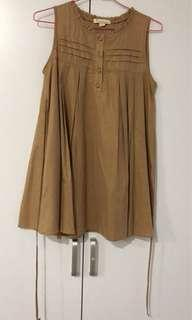 Bronze color top with ribbon