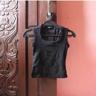 Women - Black Sleeveless Top XS