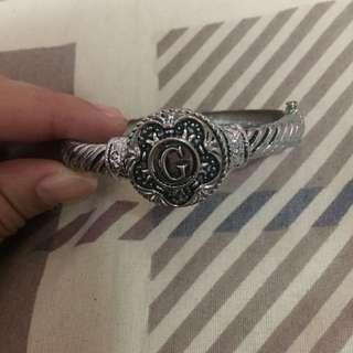 Guess Clip Bracelet