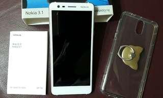 🚚 二手 Nokia 手機簡配 107年8月換購 鏡面右側有擦傷