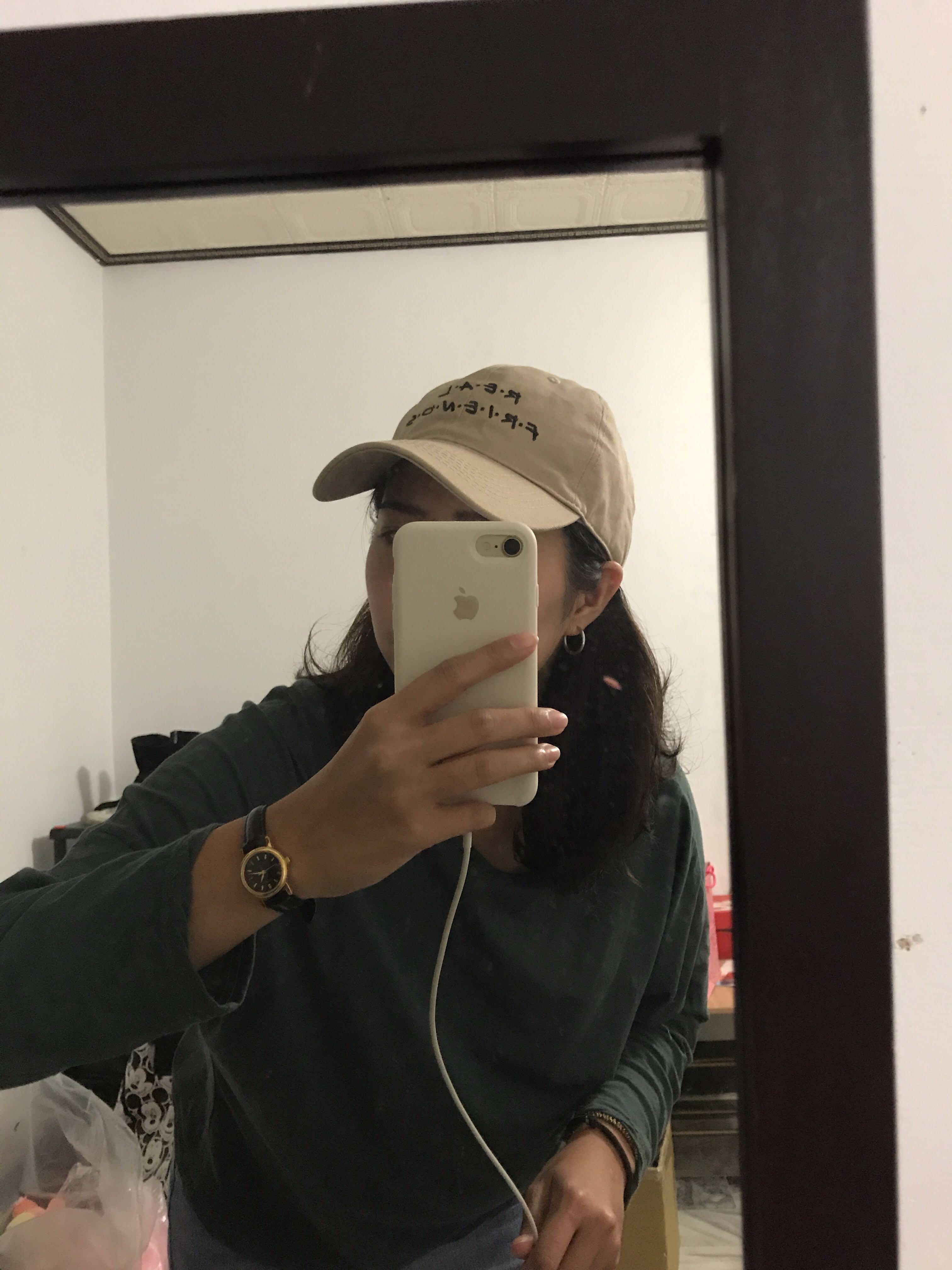 全新✨卡其色英文字老帽
