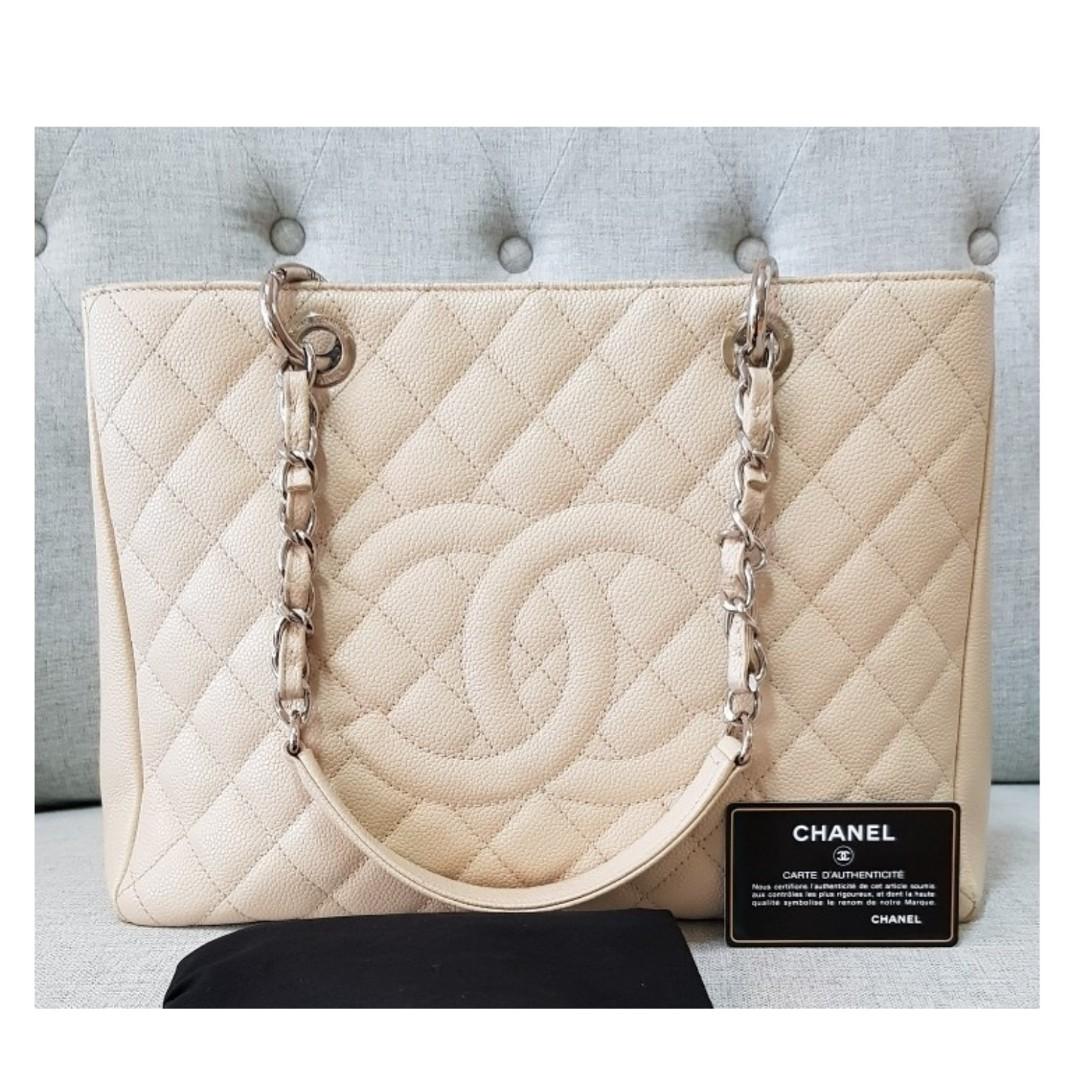414fee0a749f Authentic Chanel GST Beige Caviar Shw, Barangan Mewah, Beg dan ...