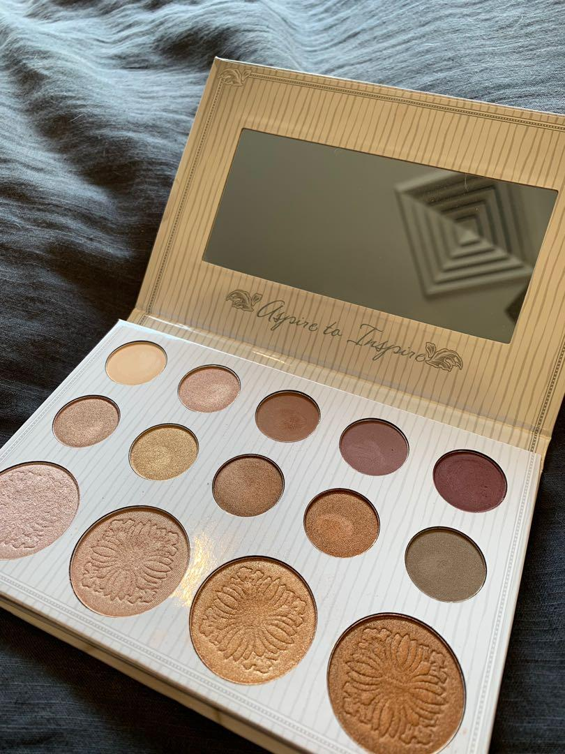 BH COSMETICS x CARLI BYBEL eyeshadow + highlight palette