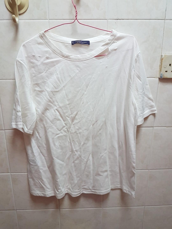 a6c8c8a66e7c1 BNWT Mango White Ripped Design T-Shirt Cotton Top