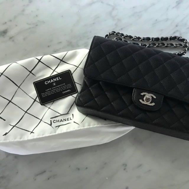 2f0fdb8ab0384b Chanel Classic Medium, Luxury, Bags & Wallets, Handbags on Carousell