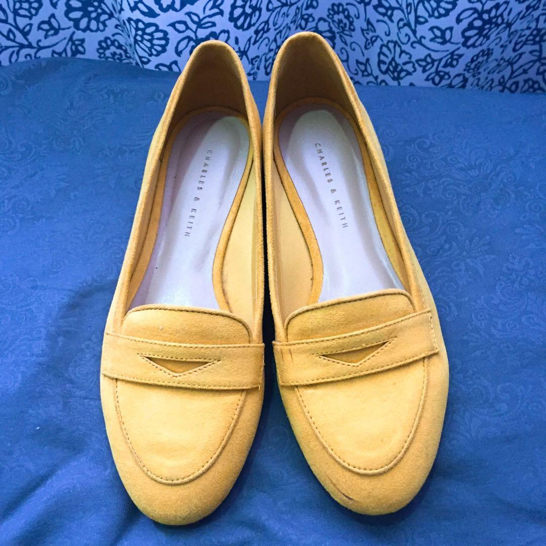 Charles \u0026 Keith Size 37 flat shoes